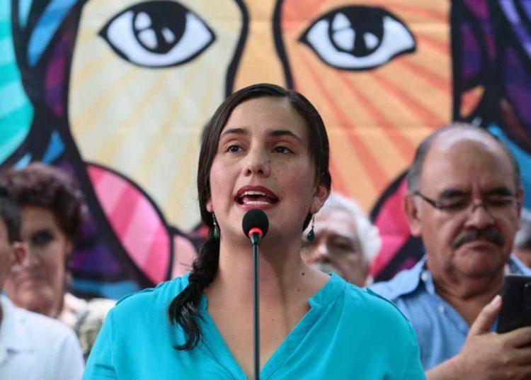 VERÓNIKA PROPONE VIDA DIGNA EN UNA NUEVA CONSTITUCIÓN: 200 MIL VIVIENDAS -  Diario Pro & Contra
